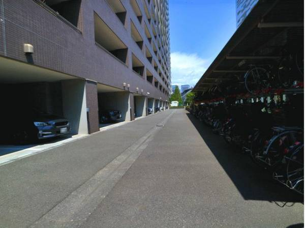 駐車場・駐輪場完備。