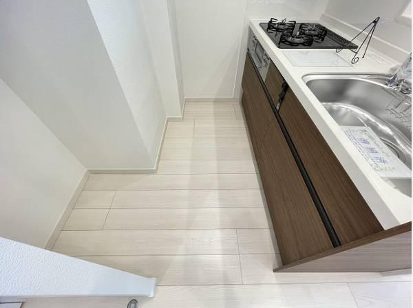暮らしの中で輝き続けるキッチン。日々の調理をよりスムーズに、快適にサポートしてくれます。