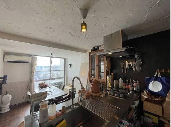 機能性・デザイン性共に優れた、洗練されたキッチン空間。