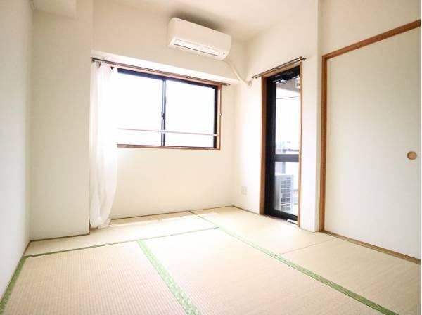 便利な和室は約5.8帖のスペースを確保。井草の香りがやすらぎを与えます。