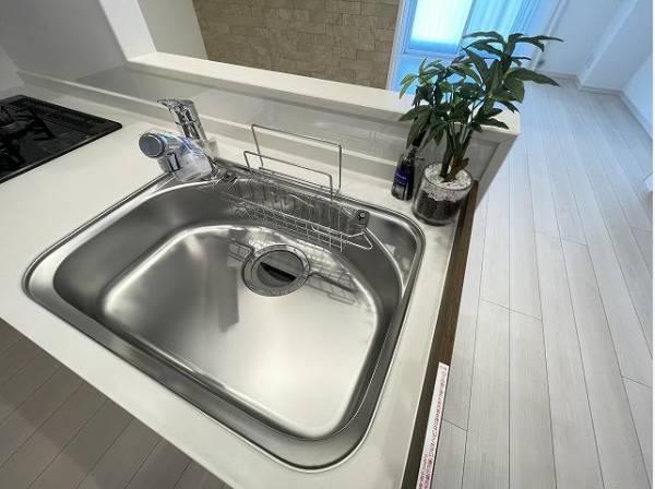 キレイなお水がいつでも、安心して飲める浄水機能付水栓。