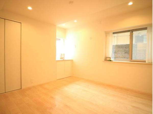 各部屋を最大限に広く使って頂ける様、豊富な収納スペース付。プライベートルームはゆったりと快適に。