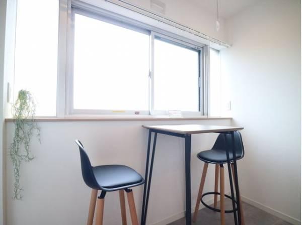 くつろぎの空間を演出するサンルーム。住む人がいつまでも心地良さを感じ続けられる住空間を創造します。