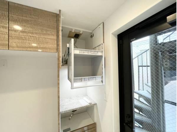 広々としたシステムキッチンは収納力があります。いつもすっきりとしたキッチンに。