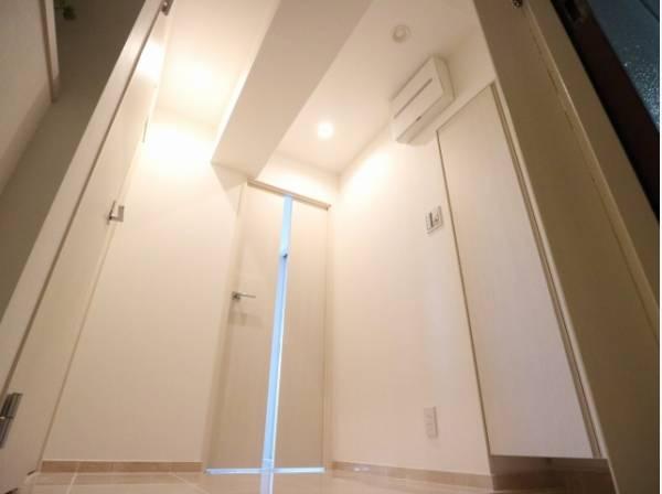 明るく開放感のある玄関。安らぎに満ちた生活空間を予感させてくれます。