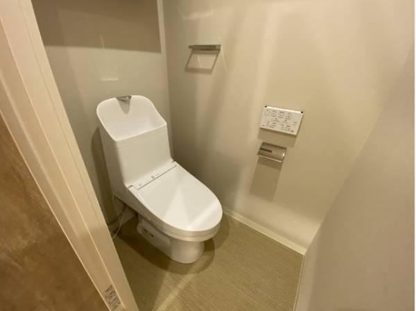 ホテルのレストルームの様な高級感あふれるトイレ。上質で心地よいプライベート空間へ。