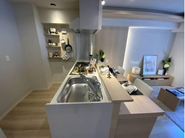 スムーズに家事をこなせて、機能性が良く使い勝手がよいシステムキッチンです。