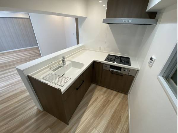 L字型キッチンはワークトップが広く、使い勝手に優れたキッチンです。