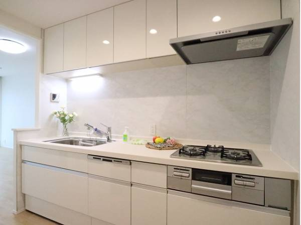 「食」の幸せを育むキッチンは心地よい空間であってほしい。使い込むほど好きになるキッチン空間へ。