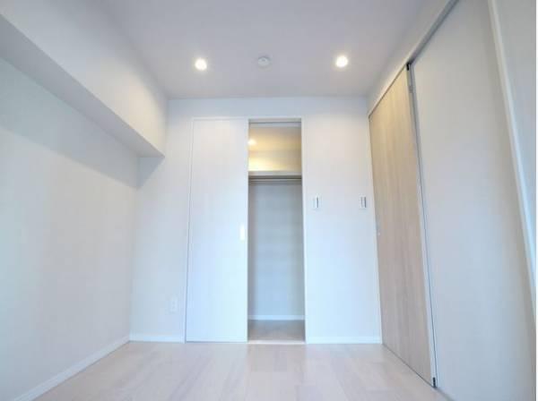 全居室に収納スペースが付いていて、お部屋を最大限に広く使っていただけます。荷物の多い方も安心です。