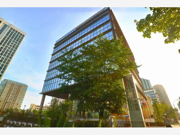 東京都済生会中央病院まで1400m 2015年に100周年を迎え、日本全国に存在する済生会病院(社会福祉法人恩賜財団済生会)の中核的施設です。許可病床数535床の大きな総合病院です。