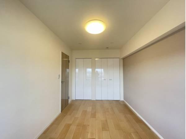 各部屋を最大限に広く使って頂ける様、各居住スペースに収納付。プライベートルームはゆったりと快適に。