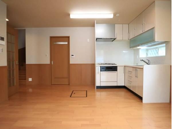 会話が弾むリビング、料理が愉しくなるキッチン、明日への活力を養うベッドルーム。家は、ただ生活する場ではなく、暮らしを愉しく、快適にする場所であるべきです。