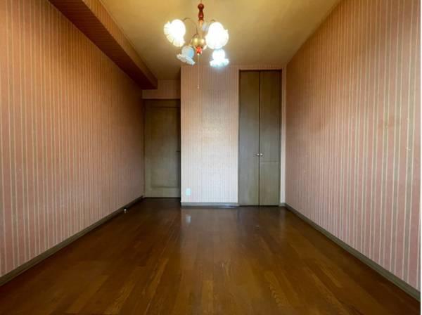 お部屋を最大限に広く使って頂けるよう収納付。プライベートルームはゆったりと快適に。