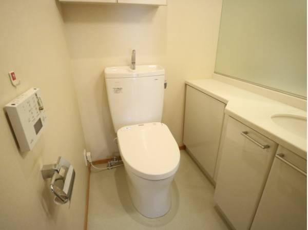 白を基調に、飽きのこない空間は質感豊かな仕上がりとなっております。