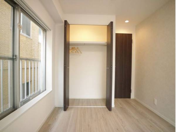 充分な収納スペースを確保。家具を置く必要がないので、すっきりとした暮らしが実現します。