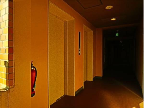 エレベータはー2基設置されています。忙しい朝の時間も安心です。