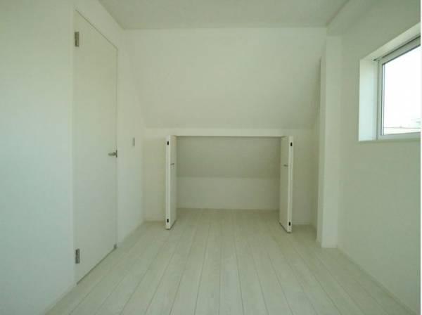 全居室収納スペースあり!荷物が多くても十分に納まります