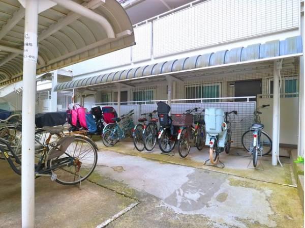 駐輪場(587区画)完備。