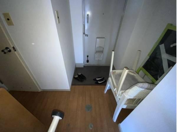 毎日出入りに使う玄関は外出する時は爽やかに、帰宅するときはホッした空間でありたいですね。