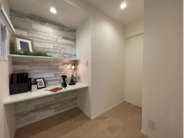個室型のワークスペースなので家にいながら集中してお仕事に取り組めます。