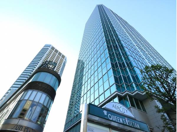 白金アエルシティまで700m 白金エリアのランドマークタワーとも言える42階の住宅棟と26階のオフィスをメインに、住宅や店舗、工場街区で構成されています。