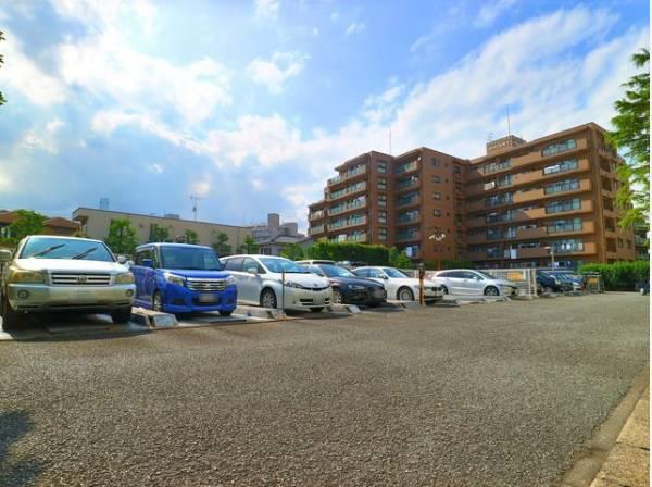駐車場(130台)完備。