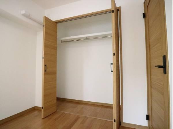 各部屋クローゼット付の3LDK。お子さまも憧れの個室が持てます。ただ暮らすだけでなく、快適さを求めて毎日気持ちの良い日々を。
