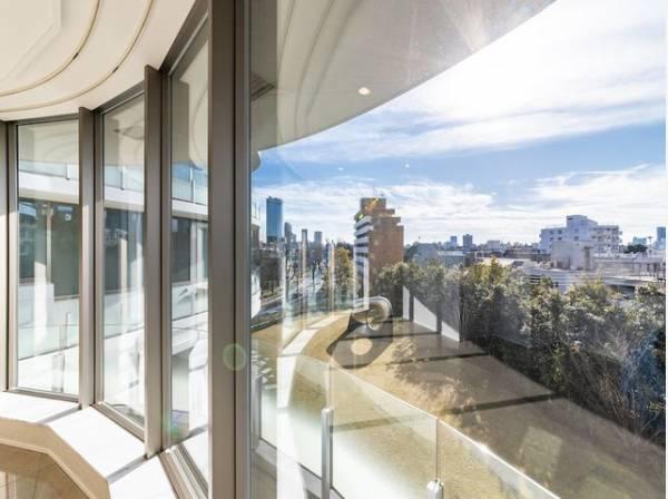 タワーレジデンスだからこそ実現した開放感。そして眺望の美しさが大きな魅力となります。