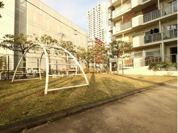 公園・小学校・保育園が近く、子育てに優しい住環境です。
