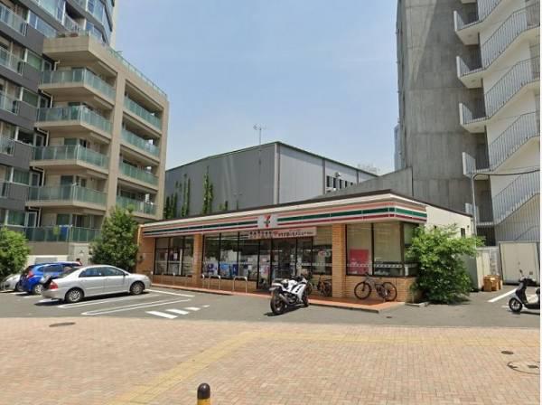 セブンイレブン渋谷本町3丁目店まで200m セブンイレブンだからできる商品・サービスを追求しながら、地域の暮らしに欠かせない「近くて便利」なお店を目指しています。