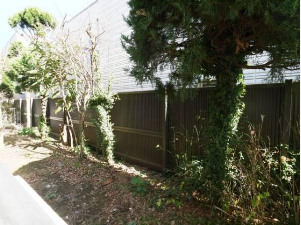 専用庭付きの開放感あるお住まい。頬をなでる優しい風を感じることが出来ます。