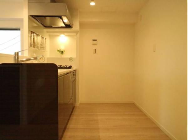 ゆったりと調理ができる位のスペースを実現したキッチン。使いこなす楽しみも教えてくれます。