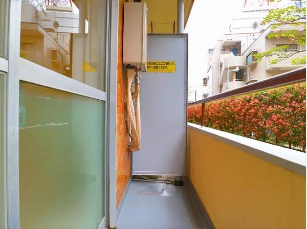 バルコニーに出た時には、頬をなでる優しい風を感じることが出来ます。洗濯物も十分に干すことが出来ます。