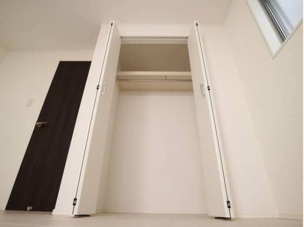 無駄を省き有効に活用した収納スペース。お部屋を広く使うことができますね。