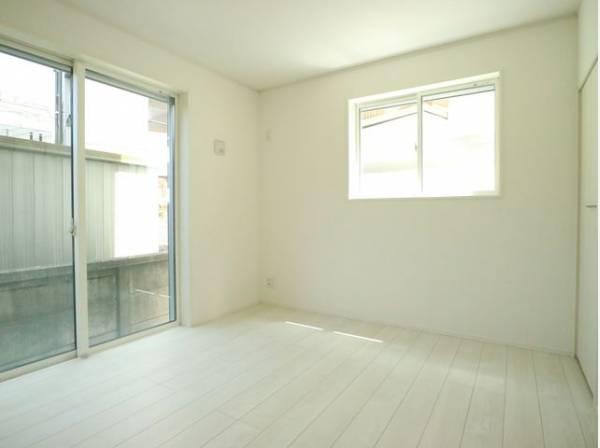 毎日使う場所だからこそ、使い勝手を考慮しました。白を基調に、飽きのこない空間に。