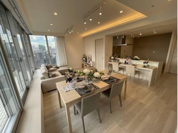 会話が弾むリビング、料理が愉しくなるキッチン。家は、ただ生活する場ではなく、暮らしを愉しく、快適に。