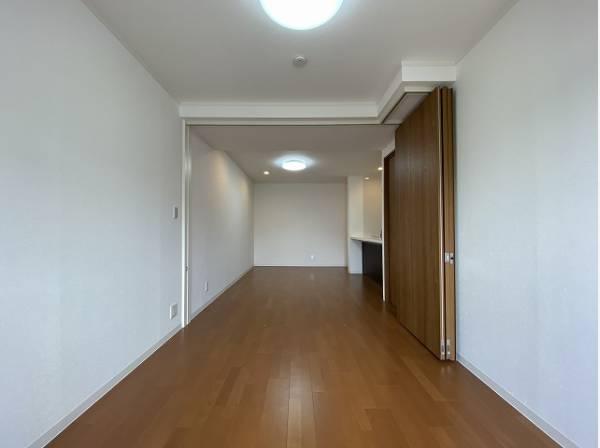 お気に入りのインテリアを加え、心地よい空間を演出してみませんか?家で過ごす時間が豊かになります。