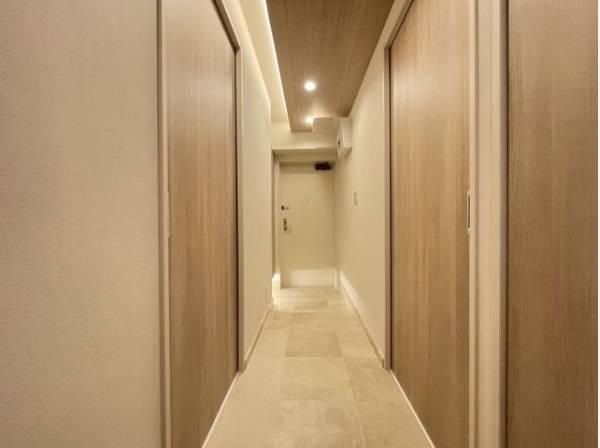 毎日の行き帰りで使う大事な玄関は、清潔感があり、明るく迎えてくれます。
