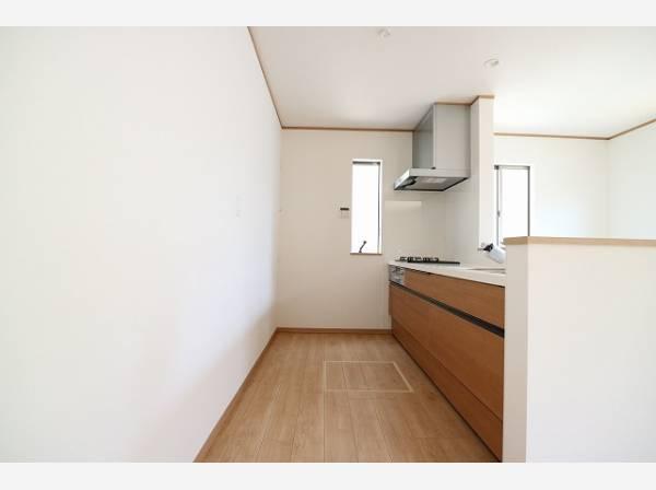 ゆったりと調理ができる位のスペースを実現したキッチン。使い勝手の良い設備で効率よくお料理ができます。