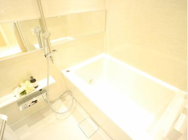 シンプルながらリラックスして気持ちよく入浴できる空間は、すべての人の毎日を豊かにする場所です。
