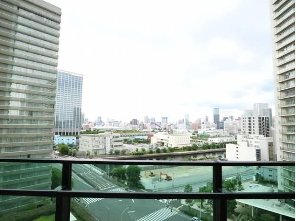都会らしいは眺望、都会ならではの景色があります。バルコニーからの眺めが住まう方への贈り物となります。