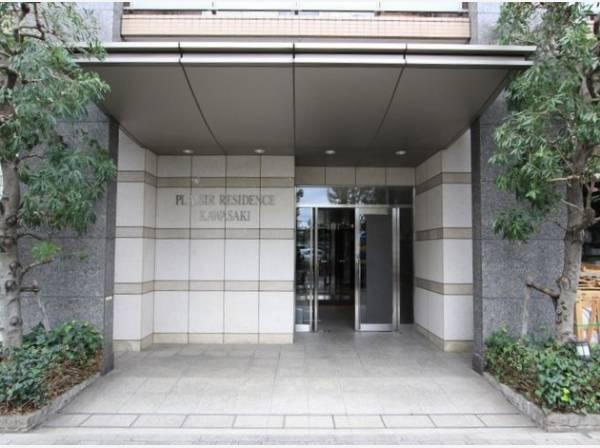 格調高いデザイン性を持つ玄関は、住む方のプライドを満たすクオリティ。