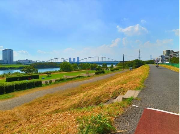 多摩川大橋緑地まで1100m