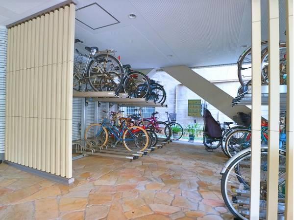 敷地内駐輪場。屋根があるので、雨も気になりません。