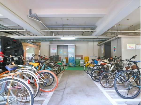 敷地内駐輪場完備。