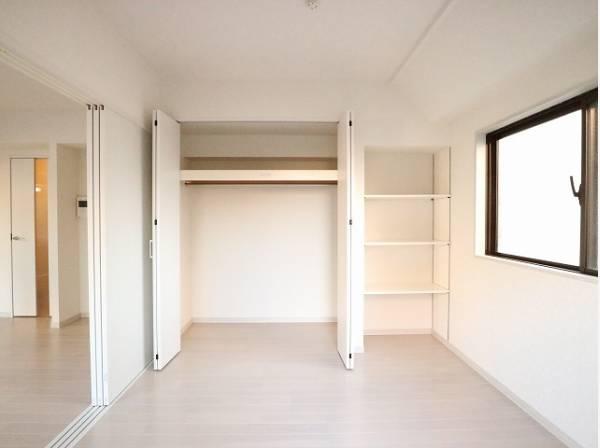 お部屋を最大限に広く使って頂ける様、洋室にはクローゼット収納付。プライベートルームはゆったりと快適に。