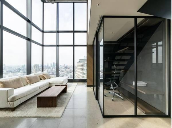 マンションでありながら、一戸建て住宅に住んでいるような感覚を楽しめるメゾネットタイプ。