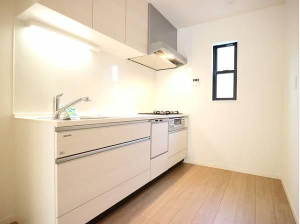 ゆったりと調理ができる位のスペースを実現したキッチン。